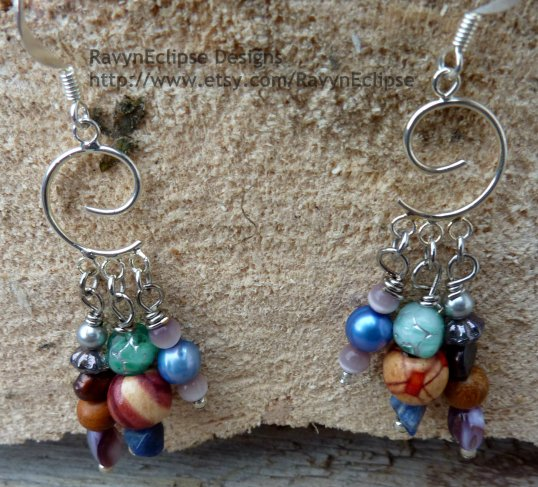 Enter to win this jewelry set created by RavynEclipse Designs.